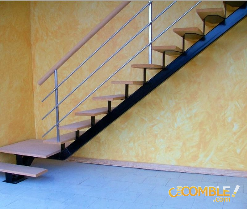 c un comble escalier en angle. Black Bedroom Furniture Sets. Home Design Ideas